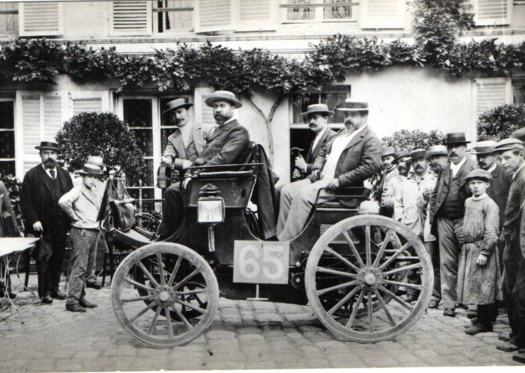 Der Sieger Albert Lemaitre auf Peugeot Typ 7
