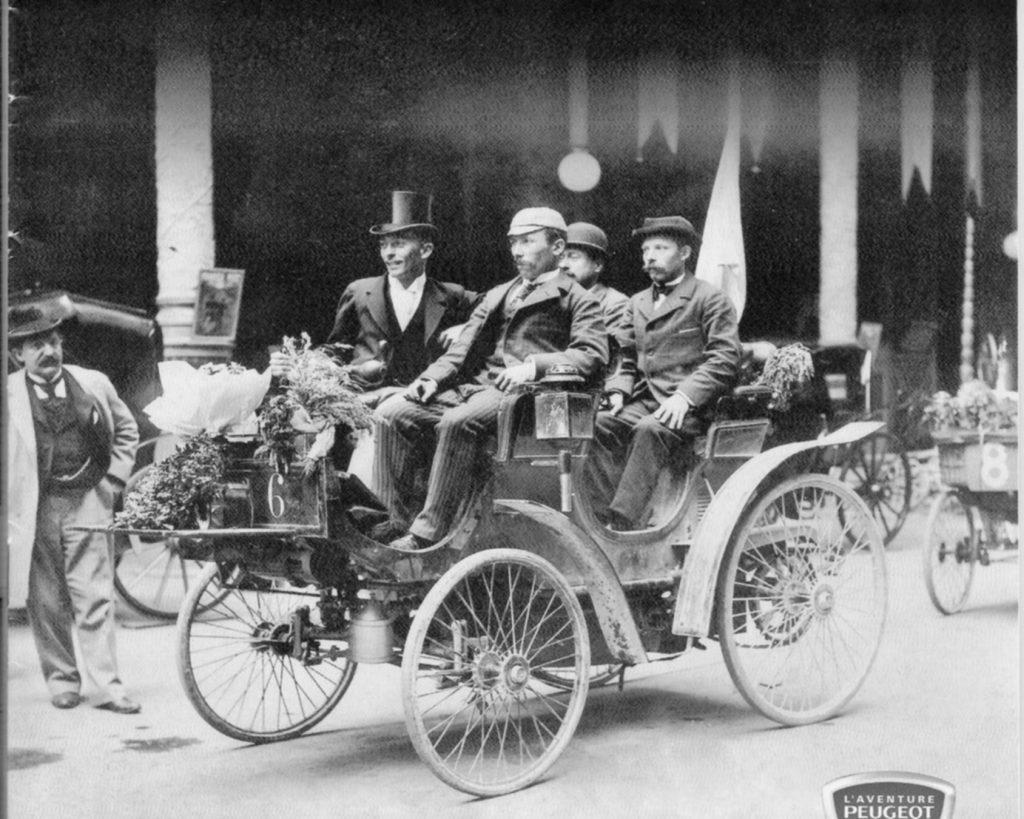 Peugeot Typ 7 als Sieger Paris - Bodeaux - Paris im Jahr 1895
