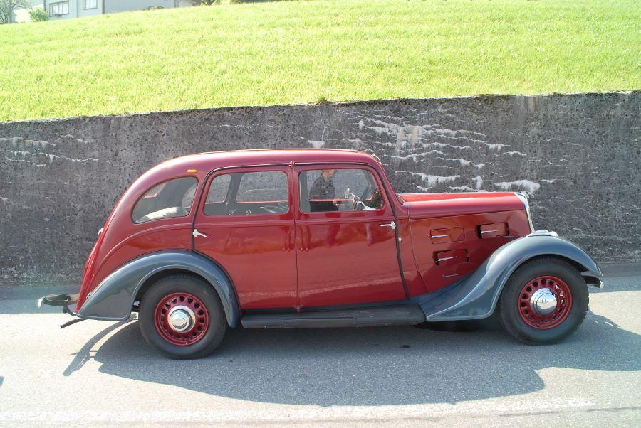 Peugeot 401 (hier ein 1935er)