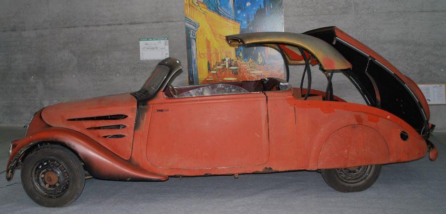 402 Eclipse Zweisitzer (E4) mit elektrischer  Dachmechanik.