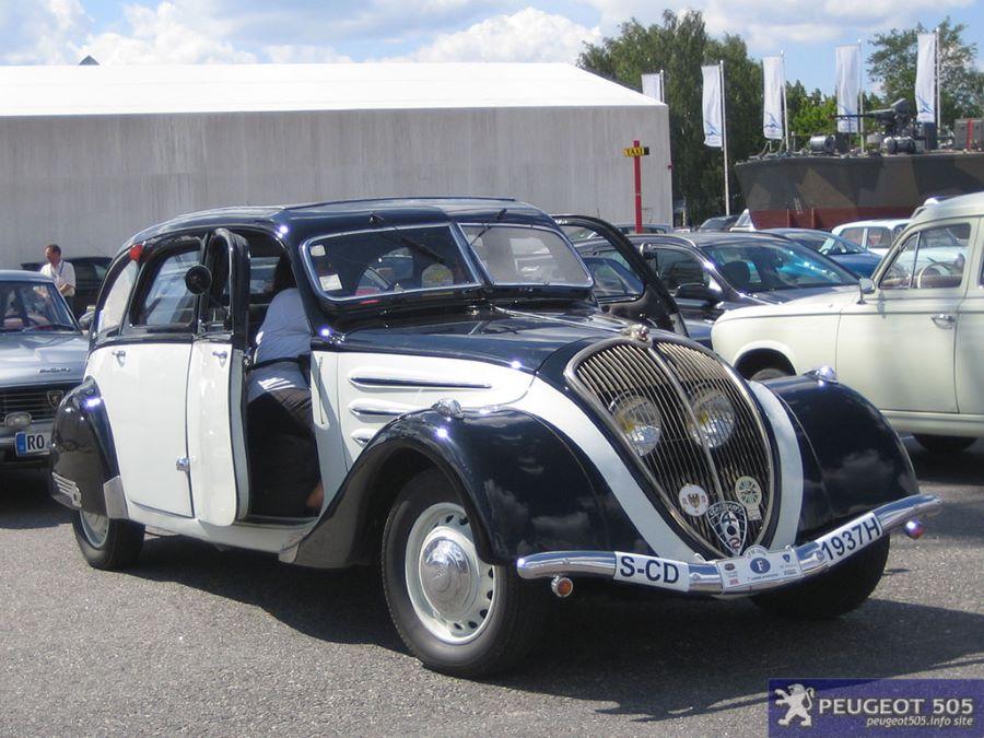 """402 """"Kurzversion"""", die nur 4,85 Meter lang ist, in der Zweifarb-Lackierung der Pariser Taxis aus 1937"""