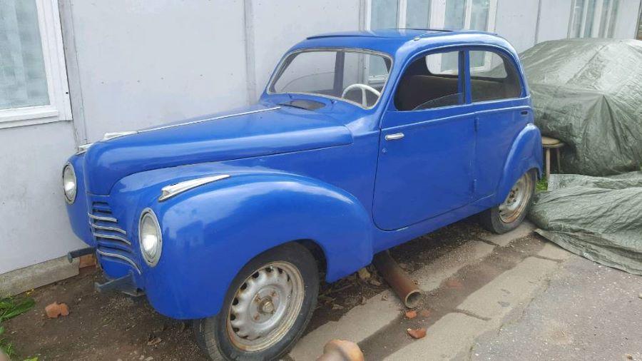 202 aus dem jahr 1939 mit Front eines Skoda 1100