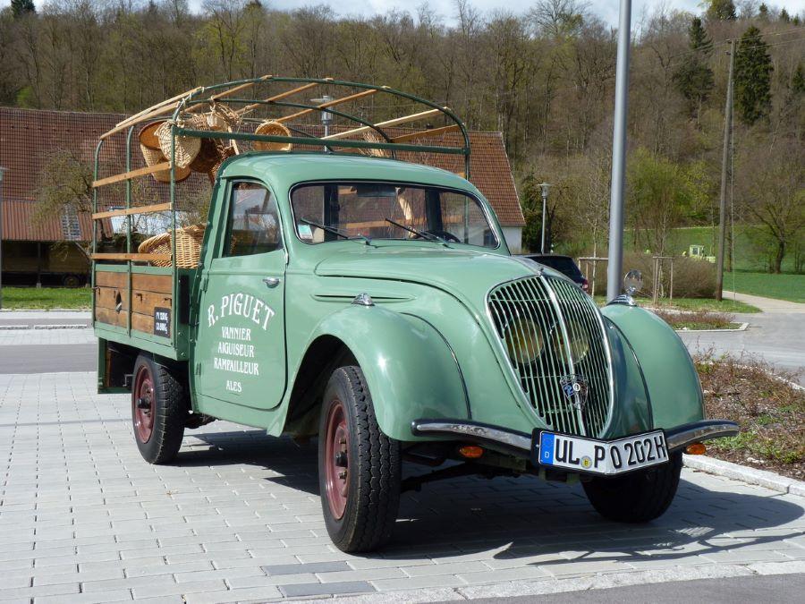 202 Camionette Bachee aus dem Jahr 1948,