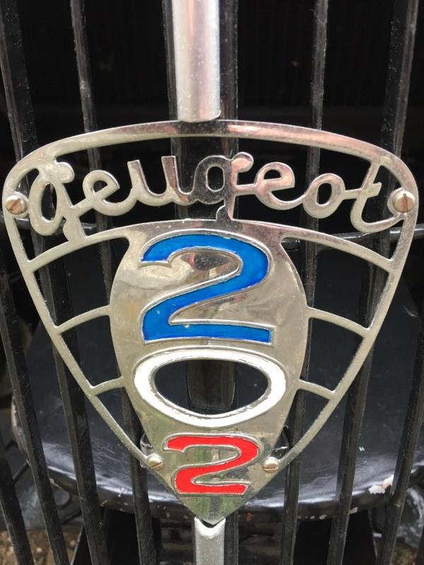 Emblem Peugeot 202