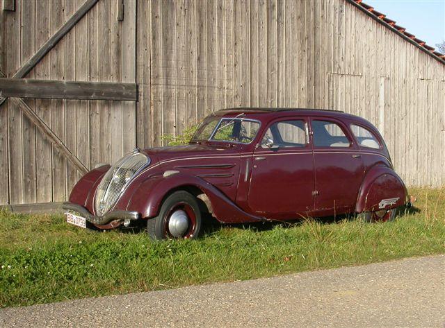 ein Peugeot 402 der ersten Serie