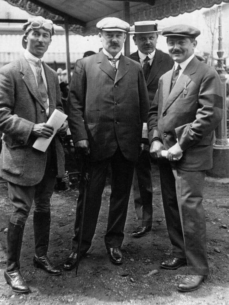 Grand Prix de la A.C.F in Pesage - Jules Goux, Robert Peugeot, Pierre Peugeot und Robert-Boillot