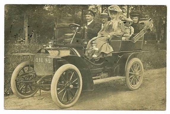 ca. 1909 - die Familie wird im Typ 78 chauffiert