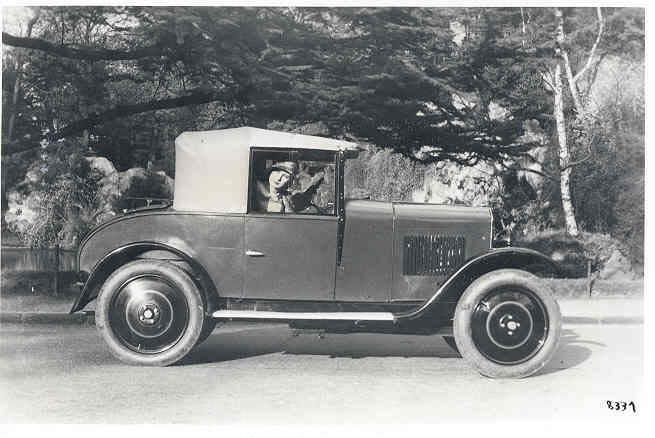1925 - auch hier nur Beifahrerin in Typ 172 Quadrilette Cabriolet. Die nächste 3 Bilder stammen aus dem gleichen Jahr