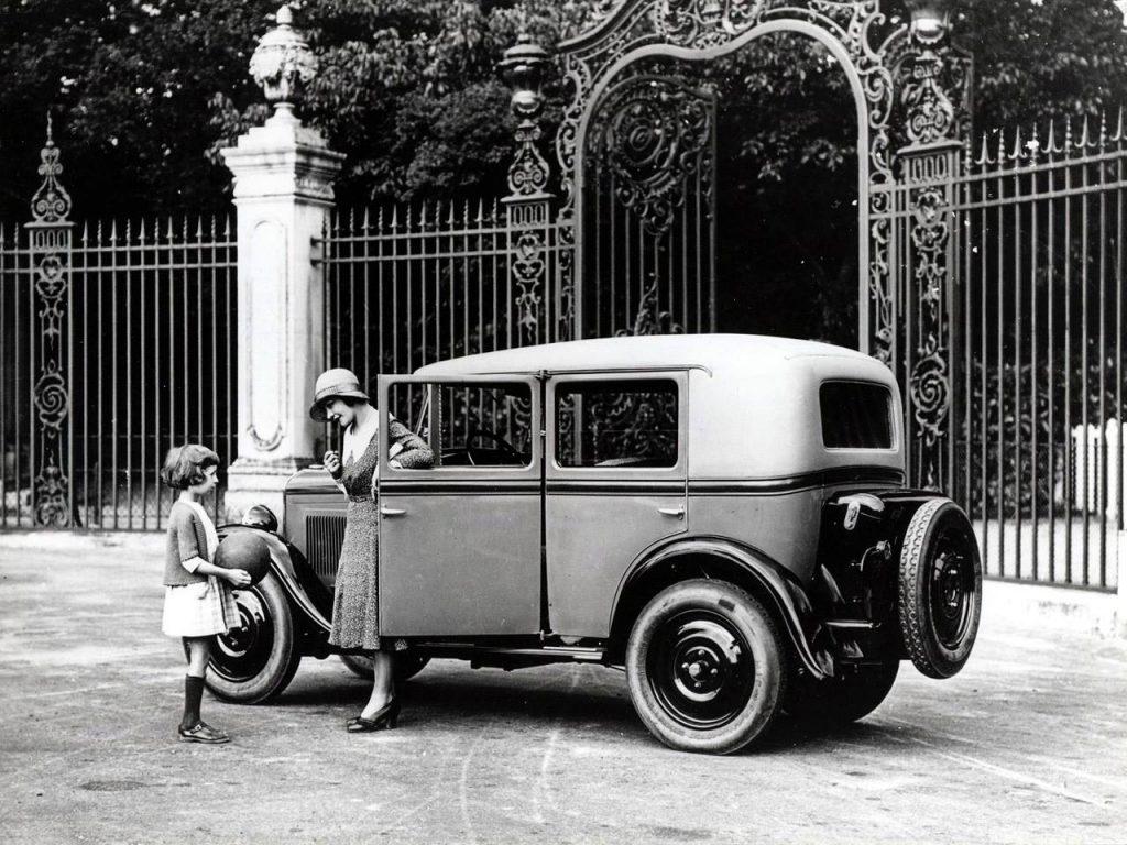 Langsam merkt  auch die Werbung, wohin es zumindest beim Mittelstand läuft - hier im Jahr 1929 für den brandneuen Typ 201