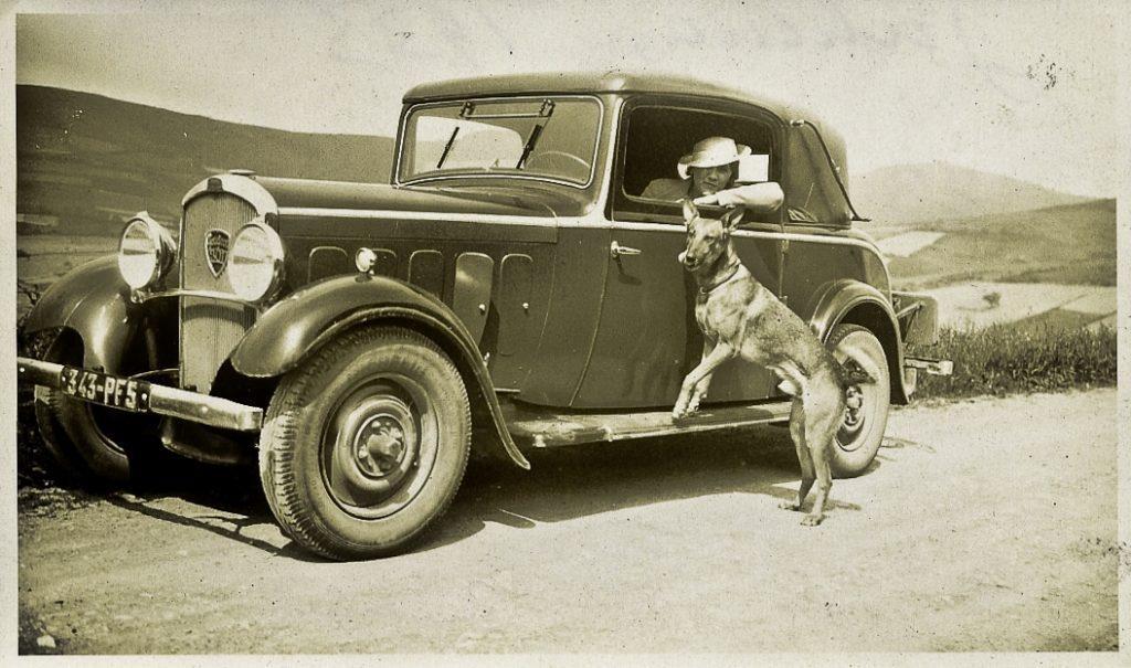 und ein 301 Faux Cabriolet, das gern als Zweitwagen von Damen der Oberklasse genutzt wurde -