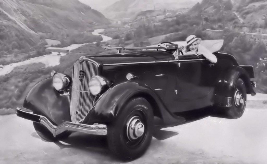 Dieses Bild im 301 Roadster scheint mir allerdings eine Fotomontage zu sein ...