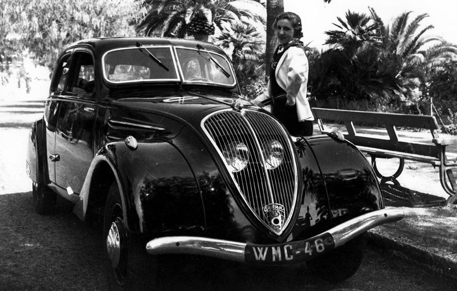 1938 in Südfrankreich - Madame vor ihrem 302 (oben) bzw. 402 (unten)