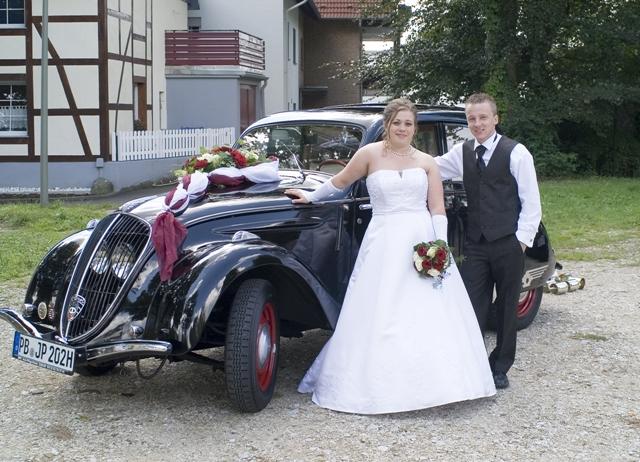 Hochzeit im Peugeot 202