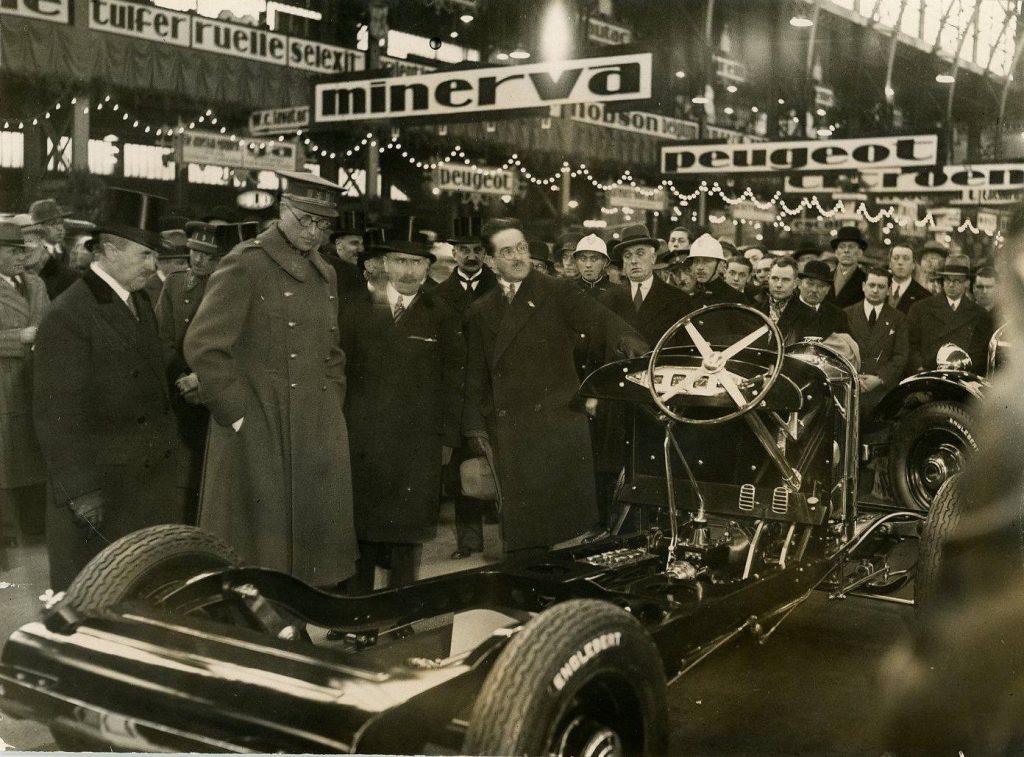 1927 - König Albert von Belgien auf der Autoschau in Brüssel