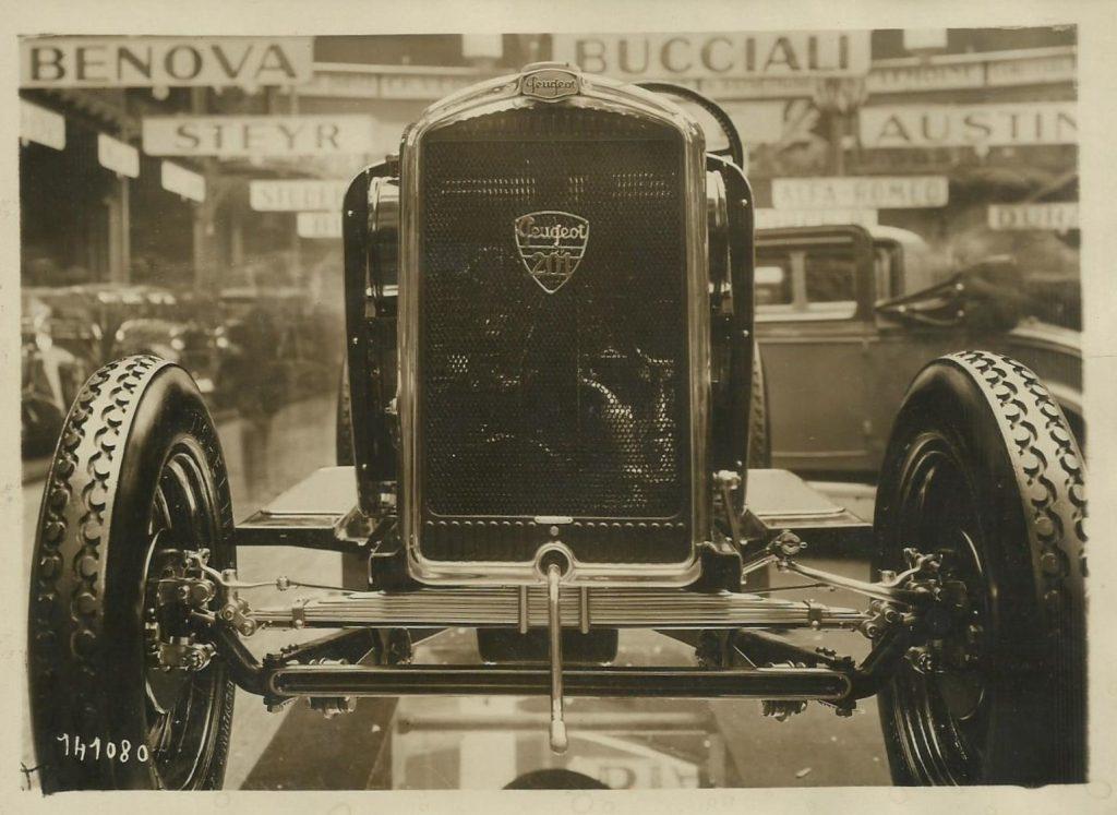 1929 - Weltpremiere des 201