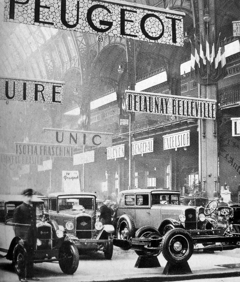 1930 - links ein 5 CV, Mitte ein 12 SIX und rechts vermutlich ein 177