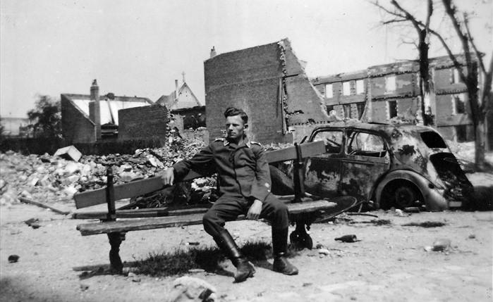 zerstörter Peugeot 202