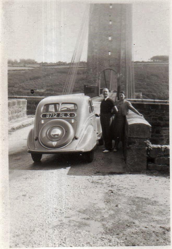 Peugeot 302 auf historischen Bildern