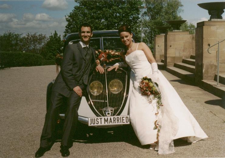 Hochzeit im Peugeot 402 aus dem Jahr 1937