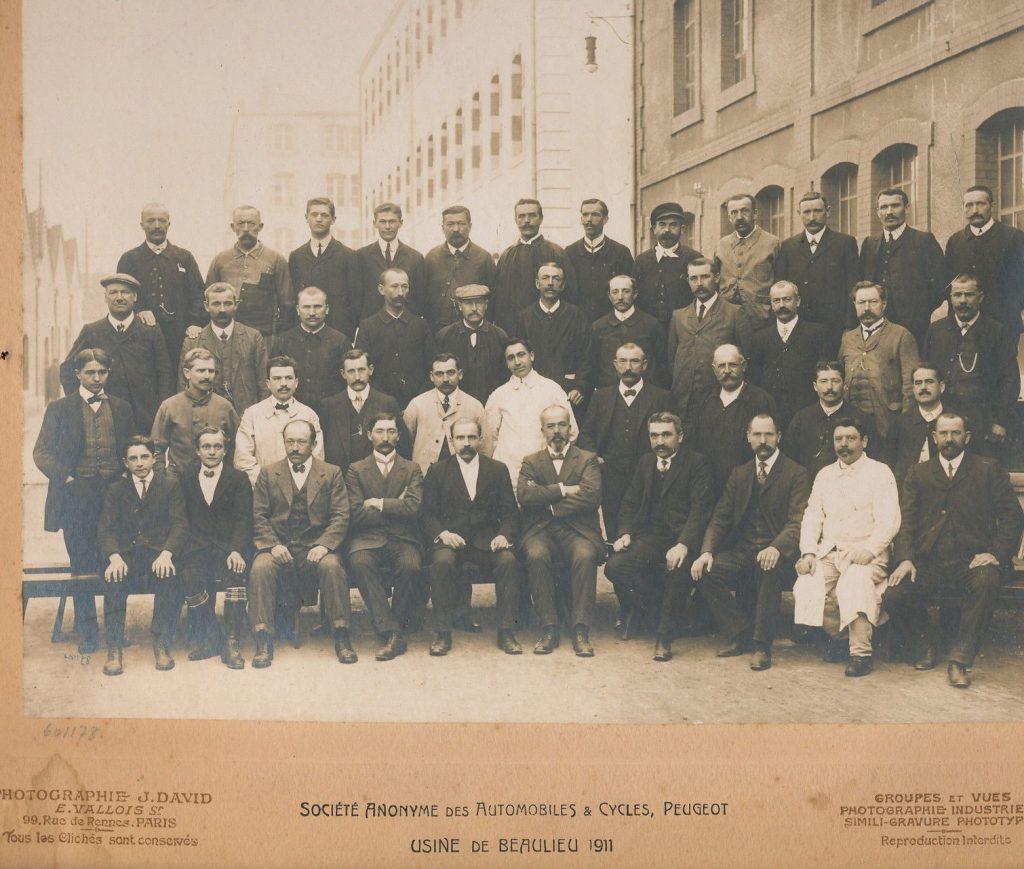Ein seltenes Belegschaftsfoto aus dem Jahr 1911