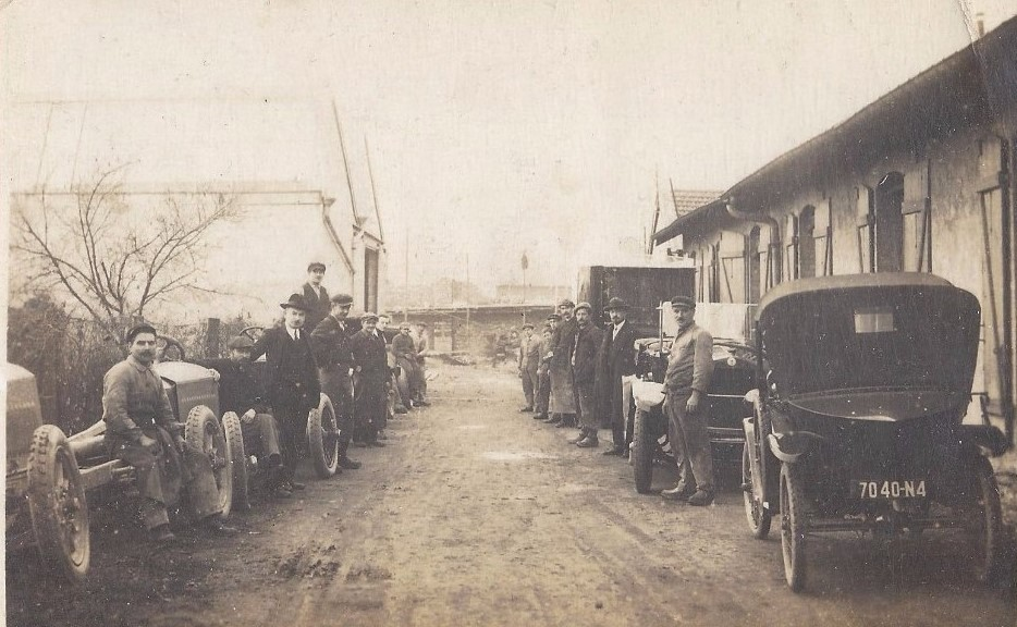 Peugeot Werk Beaulieu: ca. 1920 - Außenbereich der Endmontage