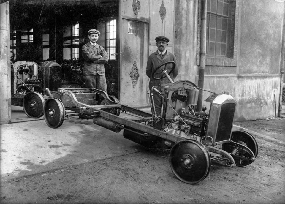Peugeot Werk Beaulieu: Rollende Chassis des Typ 177