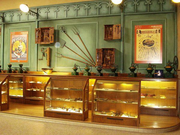 Ausstellungsraum im Musee Peugeot in Sochaux