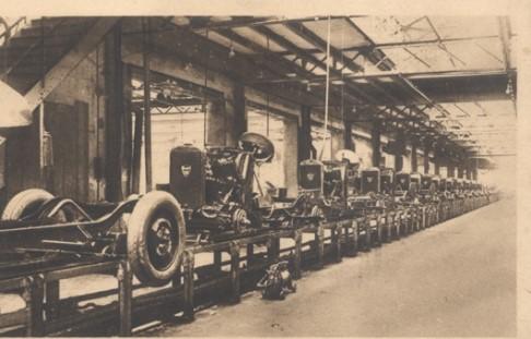 Peugeot Werk Sochaux: Montage der 201-Fahrgestelle