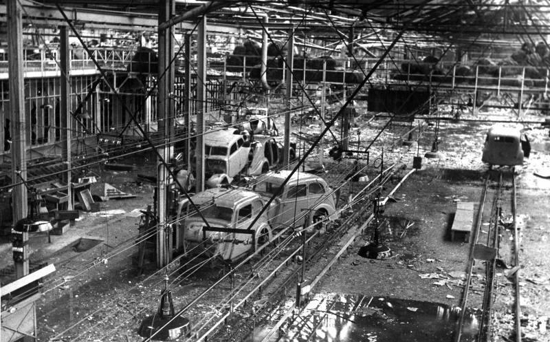Peugeot Werk Sochaux: 1944 - nach dem Bombardement der Alliierten