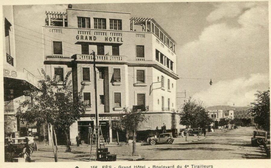 Fes - im Grandhotel ist auch Peugeot untergebracht