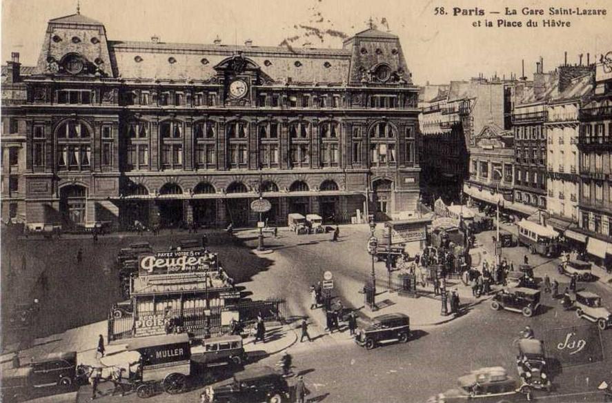 Peugeot Werbung am Gare St. Lazare, Paris