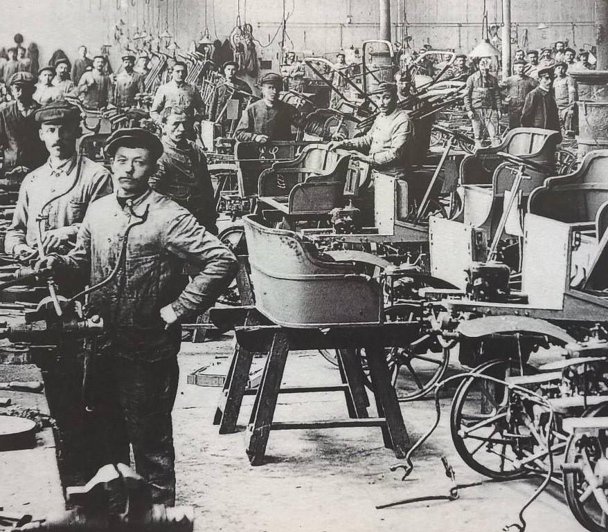 Peugeot Werk Valentigny: Etwa 1907 - hier entstehen Lion-Peugeot des Typs VC