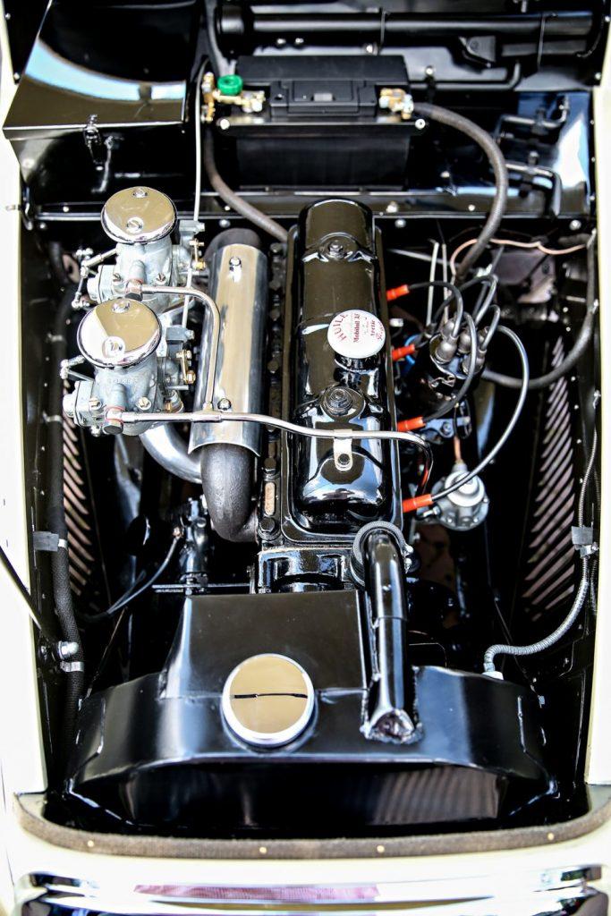 Der Antrieb wurde von Darl'Mat aber so modizifiziert, dass er 70 statt der serienmässigen 55 PS leistete