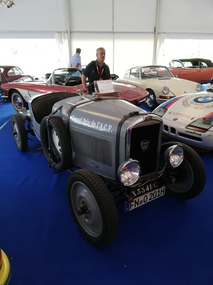 Peugeot 201 X: Vorderansicht