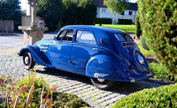 Peugeot 302 Seitenansicht