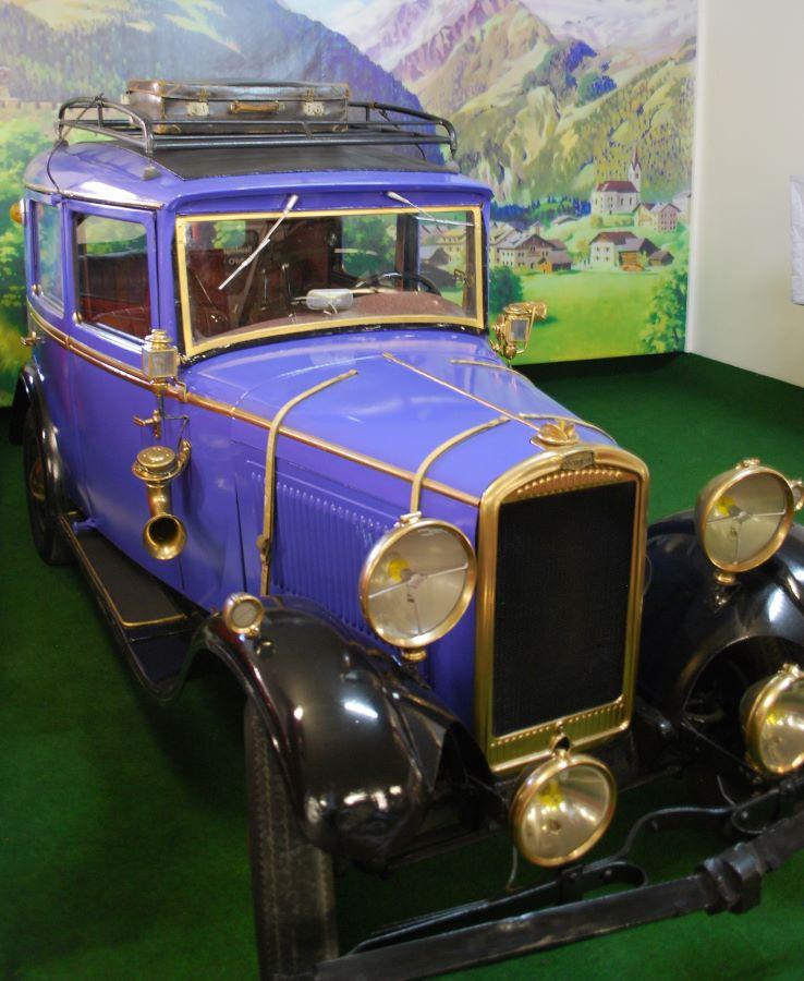 Im Museumsbestand sind auch mehrere Peugeot's – aus der Vorkriegszeit u.a. ein 177 B und ein 202.
