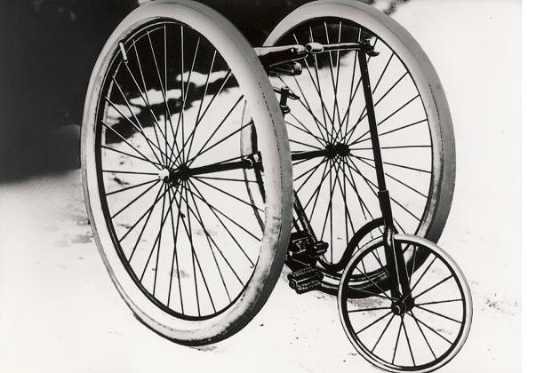 Dreirad mit Dunlop-Luftbereifung