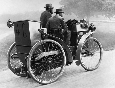 L'Eclaire (Der Blitz) - Peugeot Typ 3 - modifiziert mit Luftreifen, gefahren  von den Brüdern Michelin