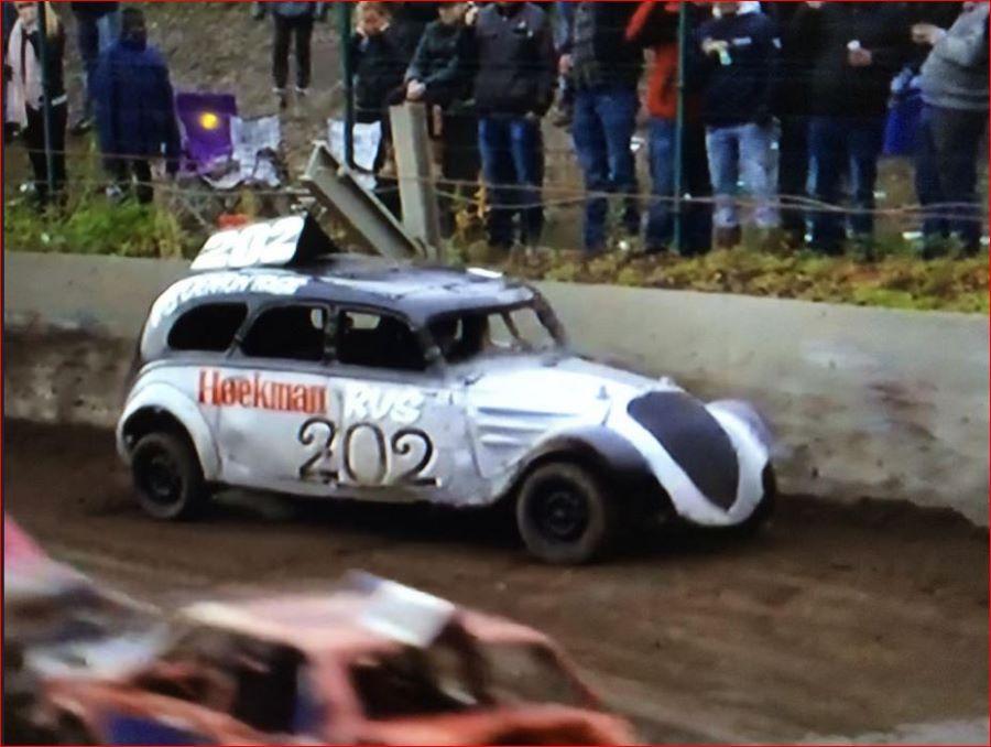 Stockcar Rennen mit Peugeot 402