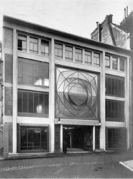 Die Garage Ponthieu ist unter anderem der Vorläufer moderner automatischer Parkhäuser.