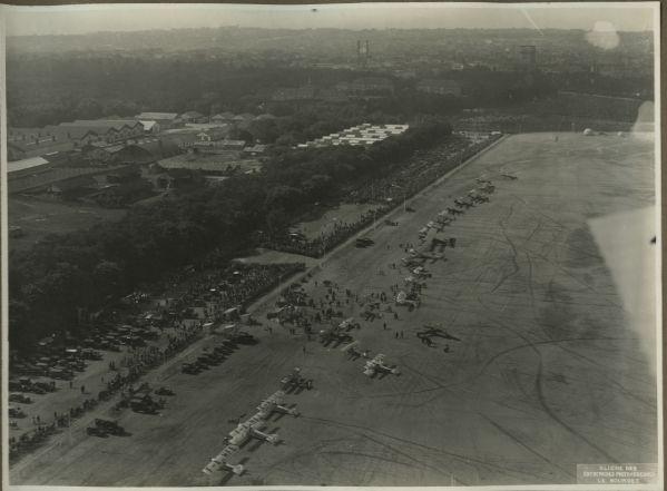 Das Flugfeld in Vincennes aus der Luft