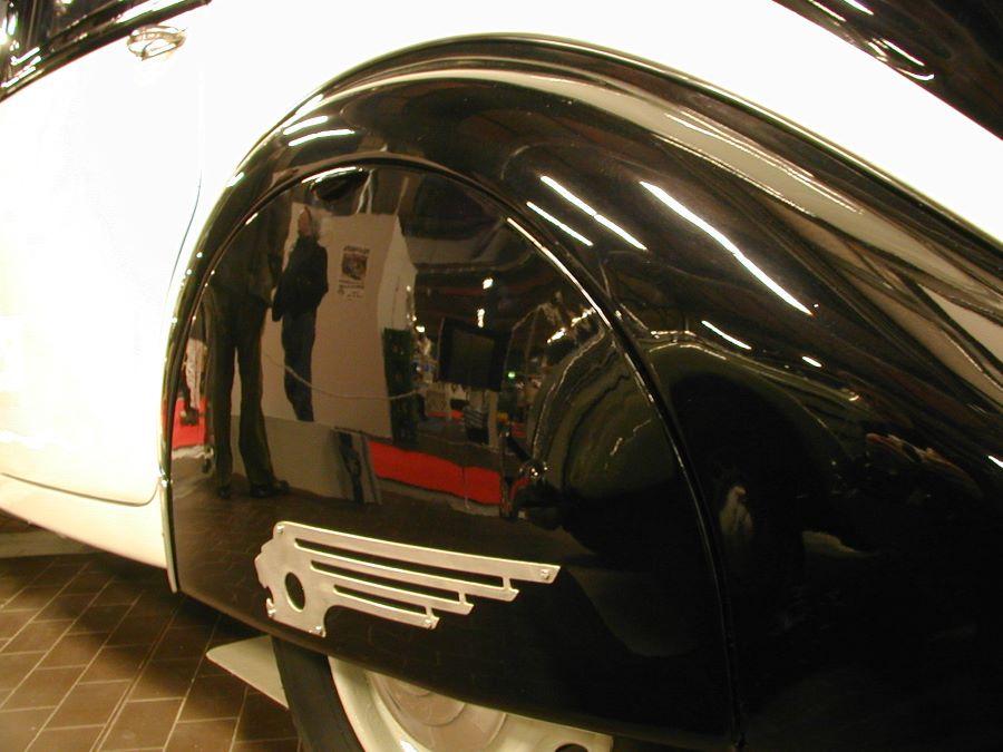 RetroClassics 2003 Peugeot 402 Detailaufnahme