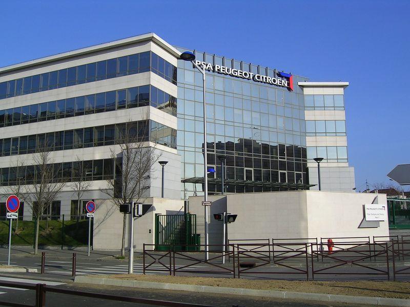 PSA-Verwaltungsgebäude in Poissy