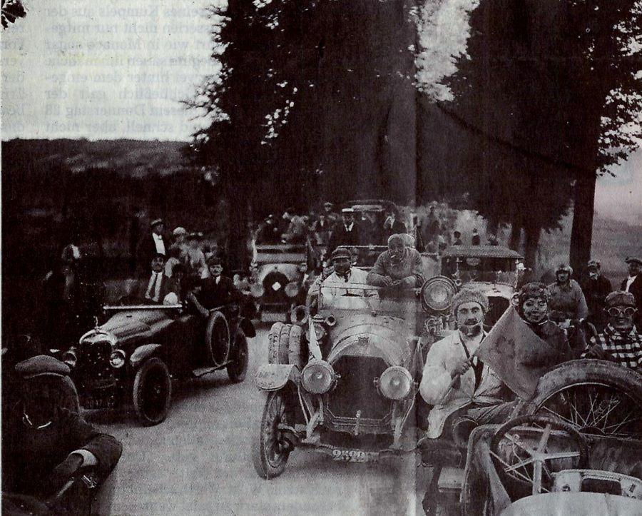 Das Chaos der Begleitfahrzeuge im Jahr 1921