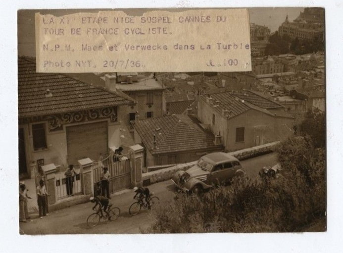 Tor de France 1936: Der Presse wurde ein brandneuer Peugeot 402 zur Verfügung gestellt