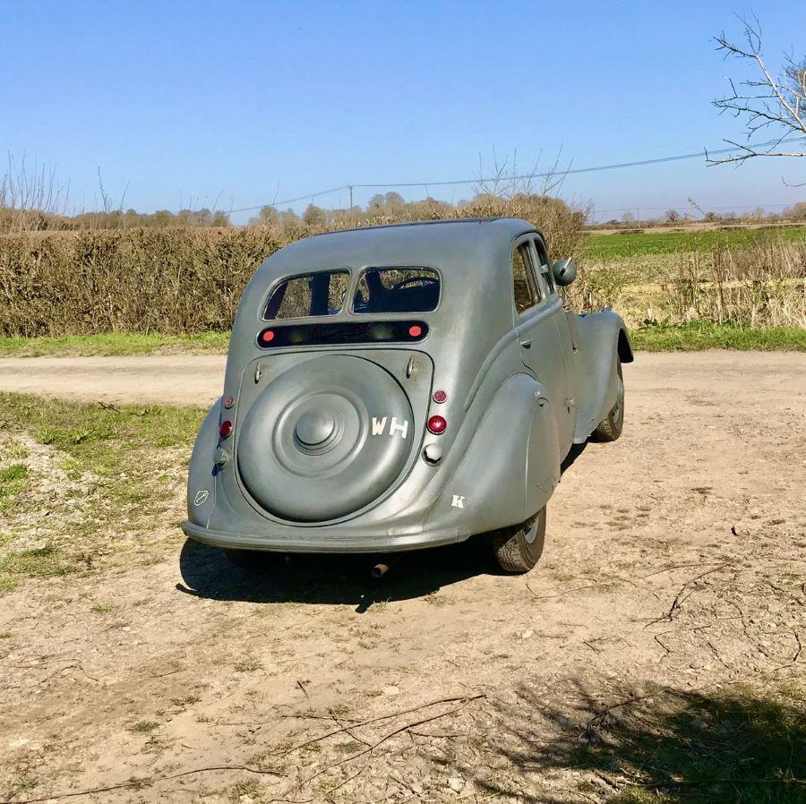 Peugeot 302: Heckansiht