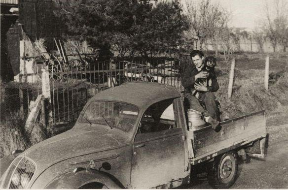 Peugeot 202 Pritschenwagen; Originalfoto aus Sammlung Michael Schlenger