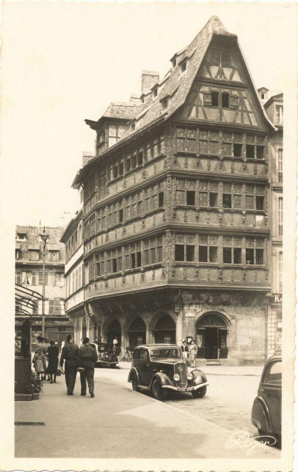 © Peugeot 201, Baujahr: ca. 1935, aufgenommen in Straßburg Ende der 1940er Jahre; Originalfoto aus Sammlung Michael Schlenger
