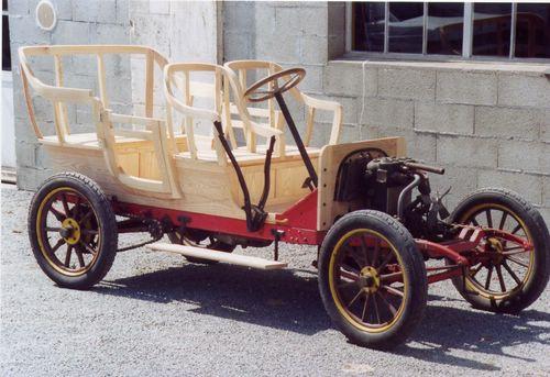 Karosserie-Tragwerkes eines 1907er Lion-Peugeot Doppelphaeton der Baureihe V2C2