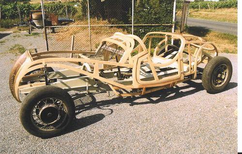 Peugeot 402 DarlMat - Stellmacherarbeiten